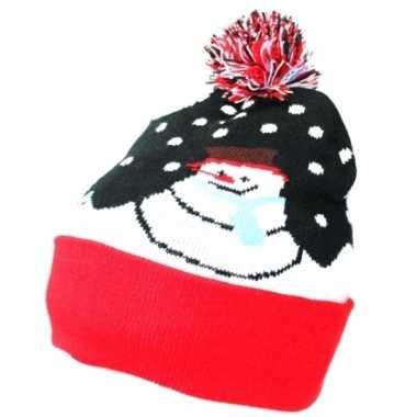 Lelijke kerstmuts sneeuwpop